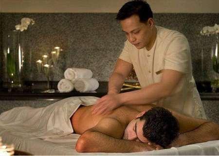 Je suis Omar, je fais bien en tant que masseur en