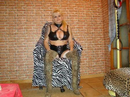 Femme 41 ans Dom rat